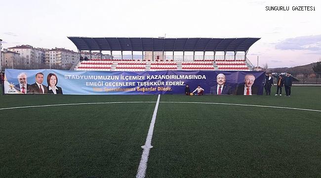 AK Gençlerden pankartlı stadyum teşekkürü