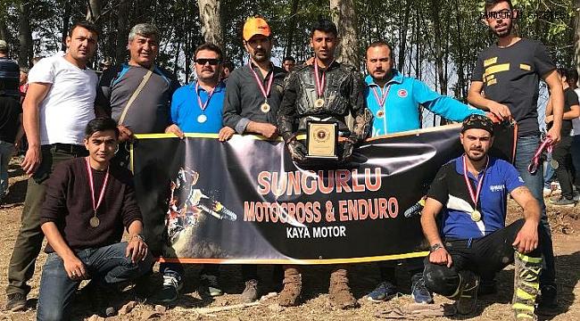 Sungurlulu motokrosçular Amasya'da derece yaptı