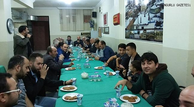 İnegazililer İstanbul'da Tokmak Köftesi partisi verdi