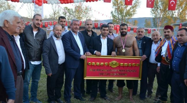 Kargı'da başpehlivan hemşehrimiz Ünal Karaman