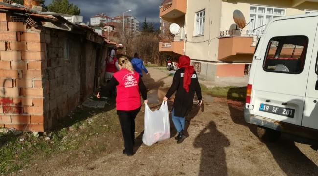 Gençler mülteci aileleri ziyaret etti