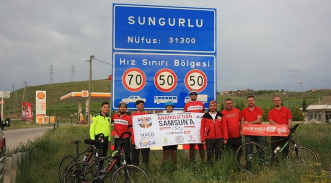 AKUT bisiklet ekibi Sungurlu'da mola verdi