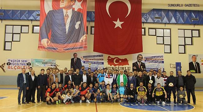 Futsal da şampiyon Hürriyet ortaokulu oldu