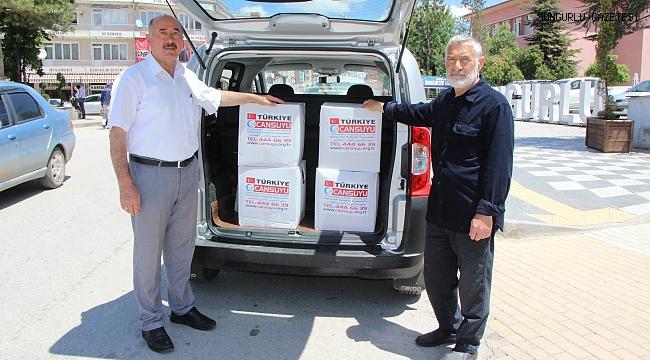 Saadet Partisi İlçe Başkanlığı gıda paketi dağıttı