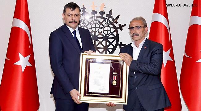 Şehit Karaman'ın ailesine Devlet Övünç Madalyası