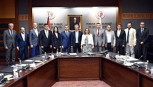 Levent Öztekin, Bakan Ruhsar Pekcan'ı ziyaret etti