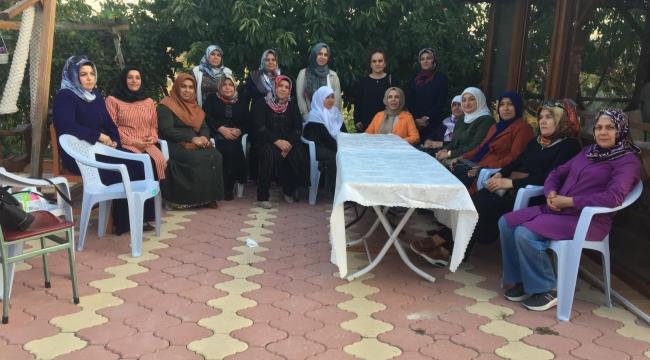 AK Kadınlar Sungurlu'da vatandaşlarla buluştu