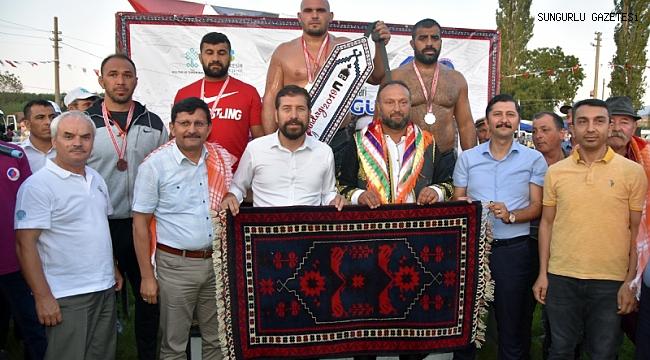 Ünal Karaman Balıkesir'de ikinci oldu