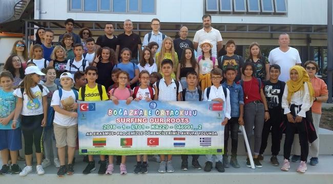Boğazkale Ortaokulu öğrencileri Yunanistan'a gitti